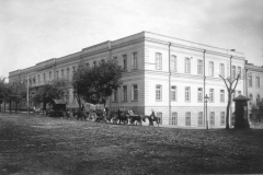 Здание Тифлисского кадетского корпуса (фотография Дмитрия Ермакова)