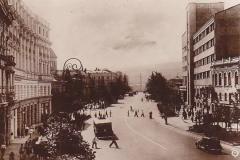 Проспект Руставели, вид в центр, справа виден Дом Связи