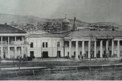 Гаупвахта, сзади Колубанская церковь