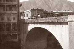 Арка Михайловского моста слева Гранд-отель