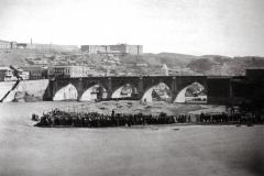 Михайловский мост. Вторая очередь. На первом плане Мадатовский остров