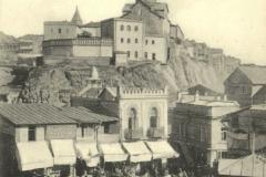 Вид на Татарский майдан и Метехскую крепость