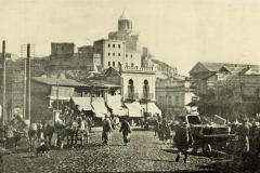 Метехская крепость с Успенским храмом. Вид с площади Моедани