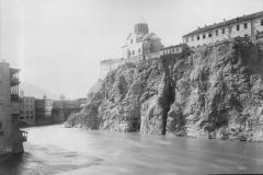 Вид на Метехский замок от устья Цавкисисцкали