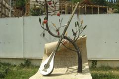 Памятник Саят-Нове. Площадь Вахтанга Горгосали