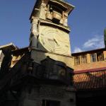 Башня с часами у театра Габриадзе