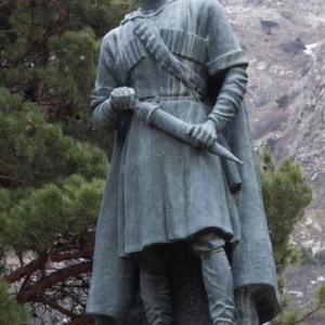 Памятник Арсену Одзелашвили.Мцхета