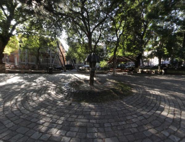 Площадь Ладо Гудиашвили