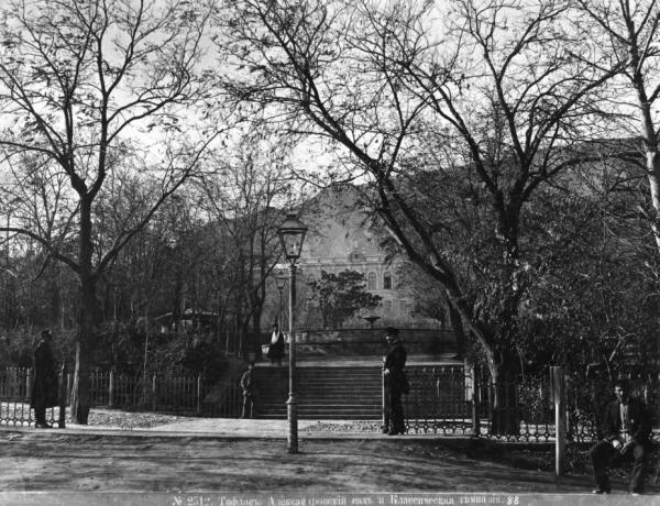 Парк «Имени 9 апреля» (Александровский сад)