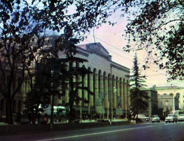 Дом правительства Грузинской ССР(Старое здание парламента Грузии)