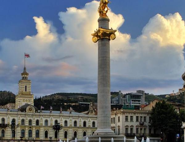 Памятник святому Георгию  (Памятник Ленину)